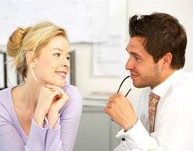 Як правильно фліртувати з чоловіком, щоб привернути його увагу? фото